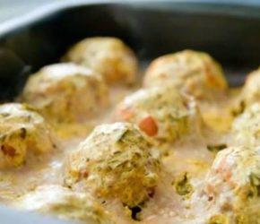 Тефтели в сметанном соусе: рецепт для духовки